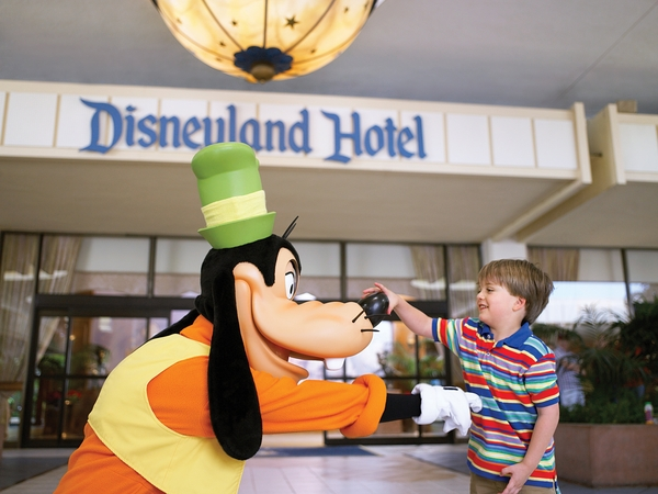 Disneyland Hotel 