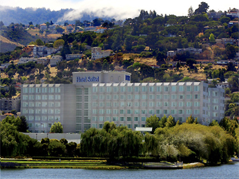 Sofitel San Francisco Bay Muut