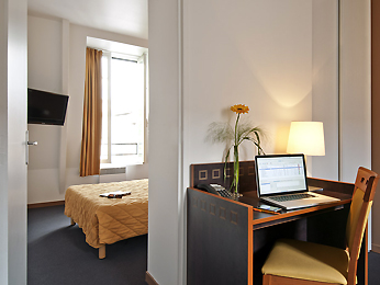 Adagio Access Paris Philippe Auguste Room picture