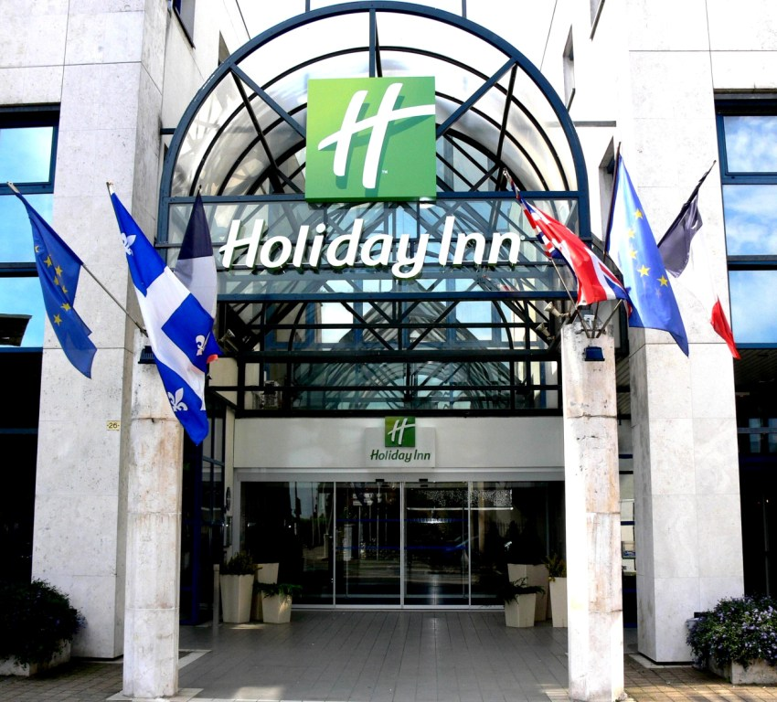 Holiday Inn Garden Court 