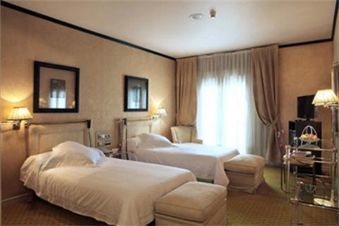 Mercure Madrid Santo Domingo Room picture