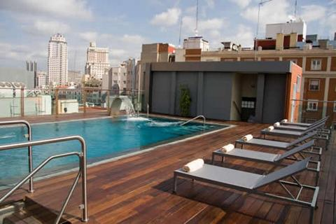 Mercure Madrid Santo Domingo Pool view