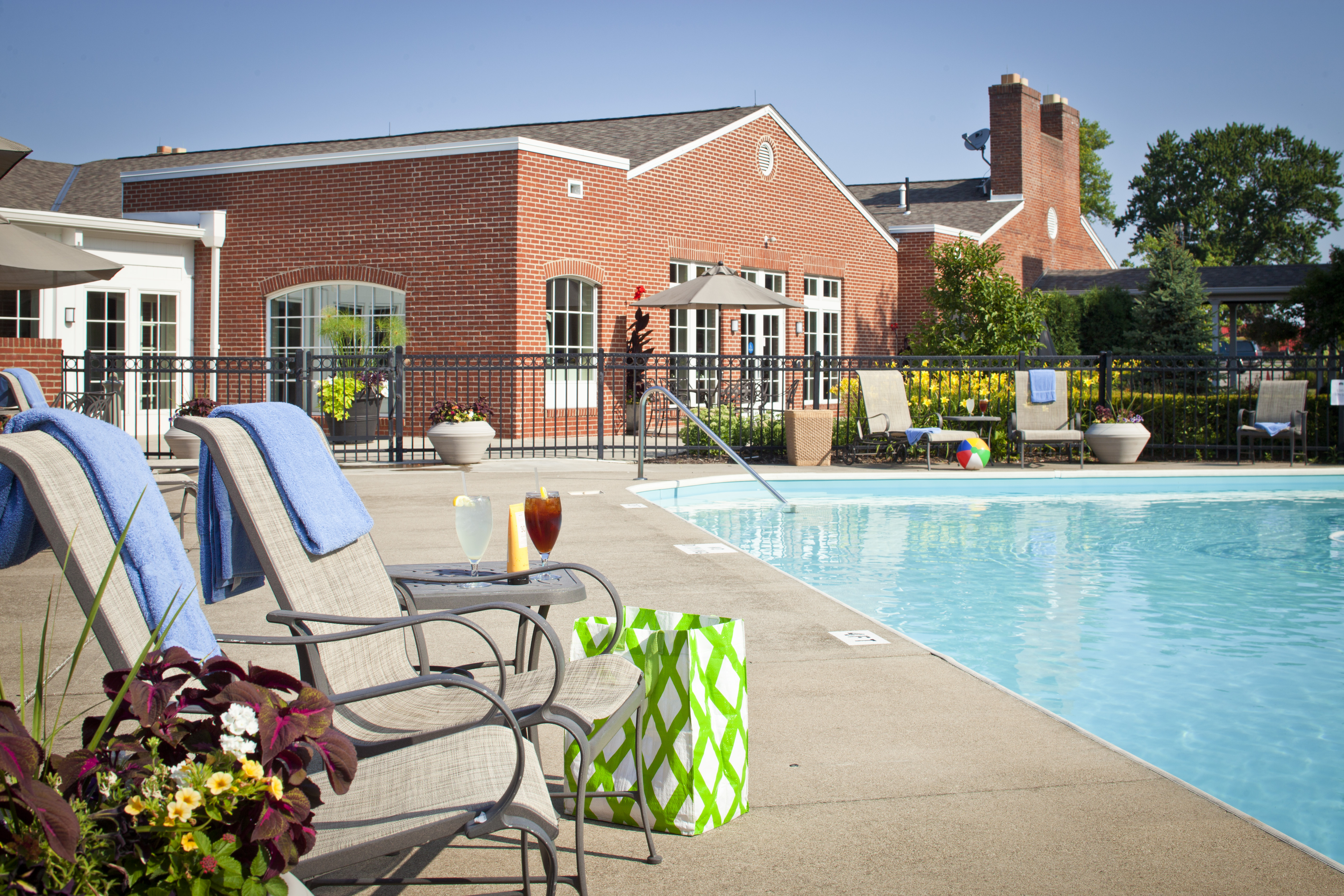 Hotel In Columbus Ohio With Indoor And Outdoor Pools