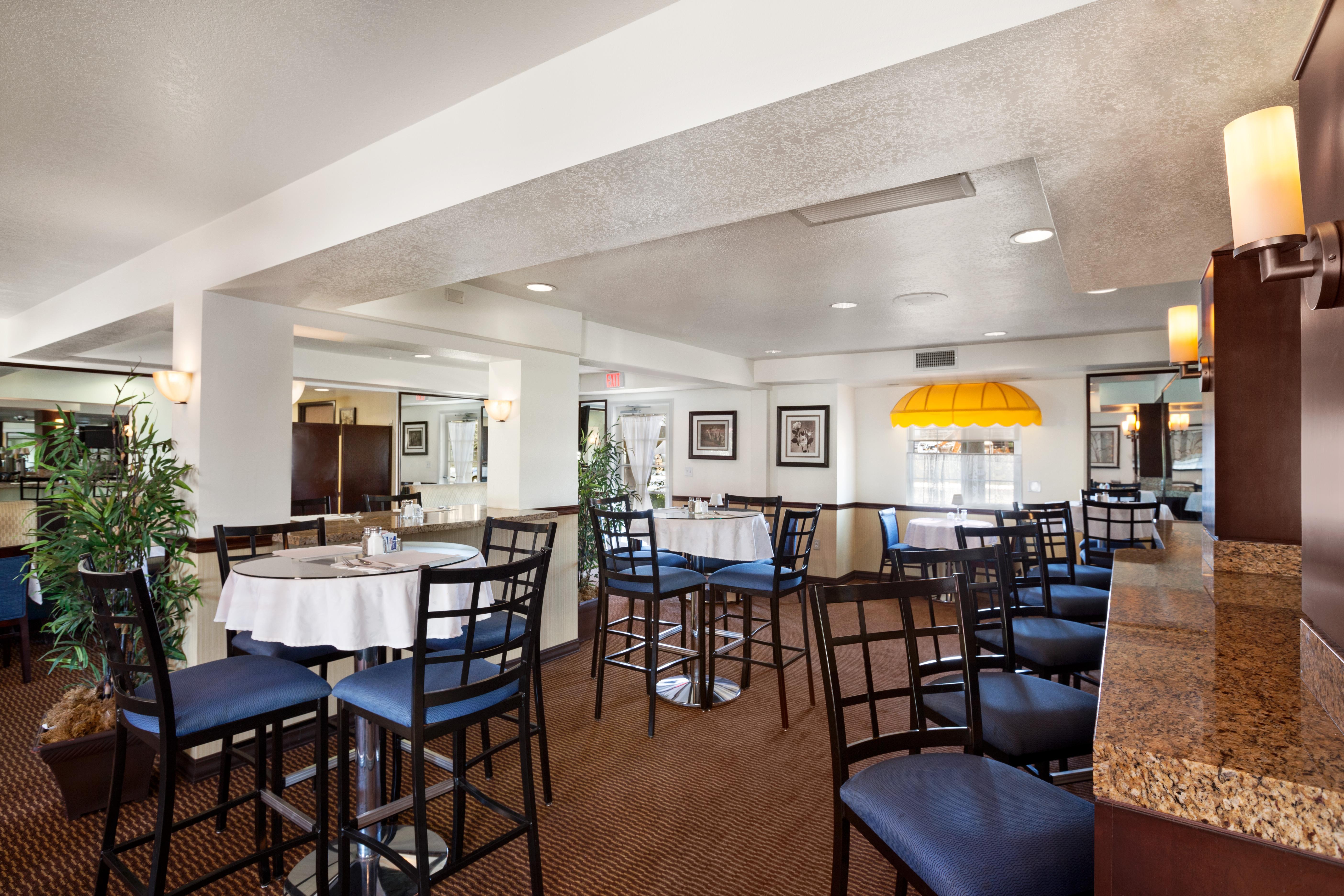 Other Hotel Services AmenitiesRestaurant in Costa Mesa  Newport Beach California. Costa Mesa Dining Room Set. Home Design Ideas