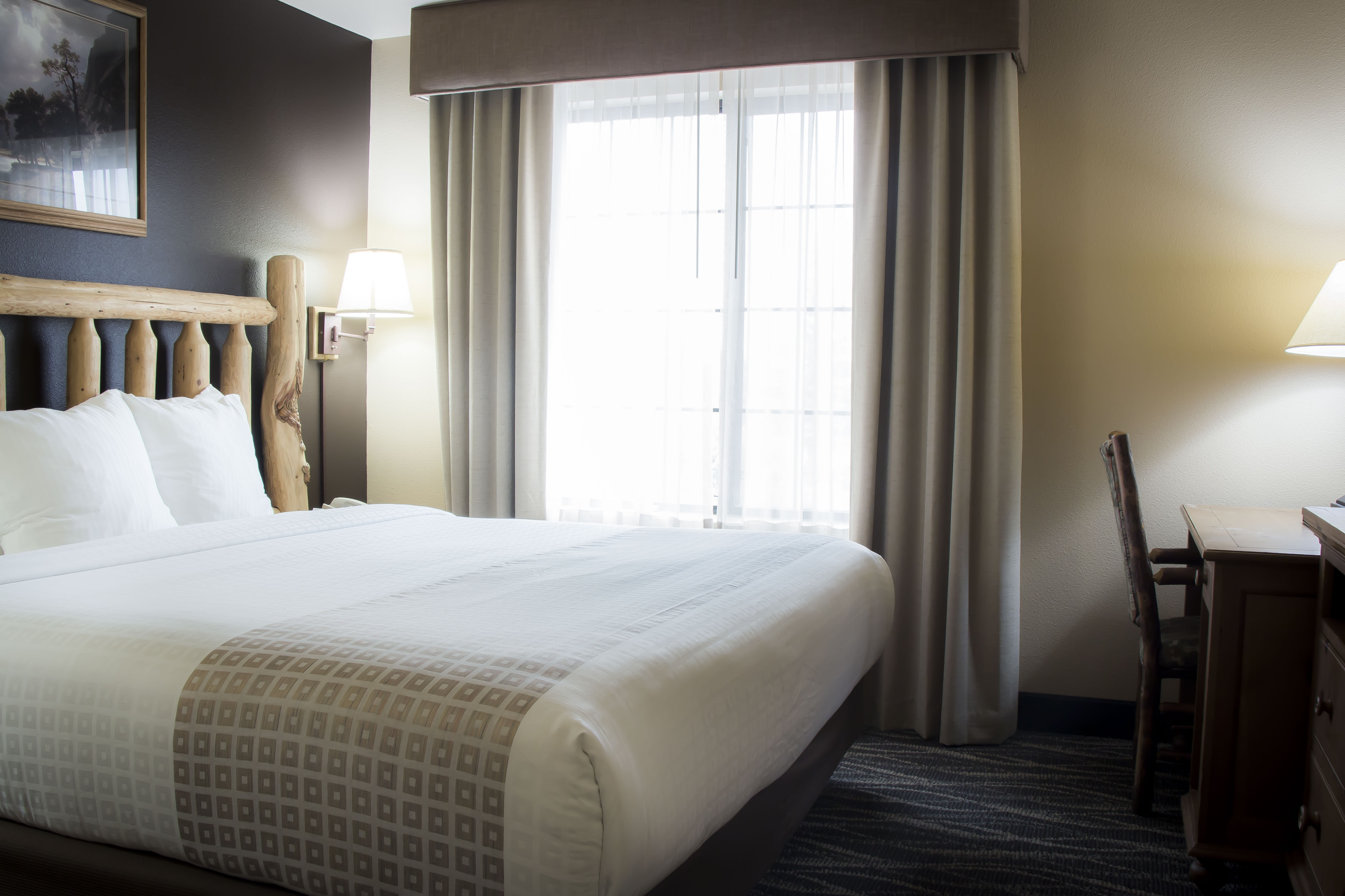 Charming Rooms & Suites in Hamilton, MT| Bitter Root River Inn ...