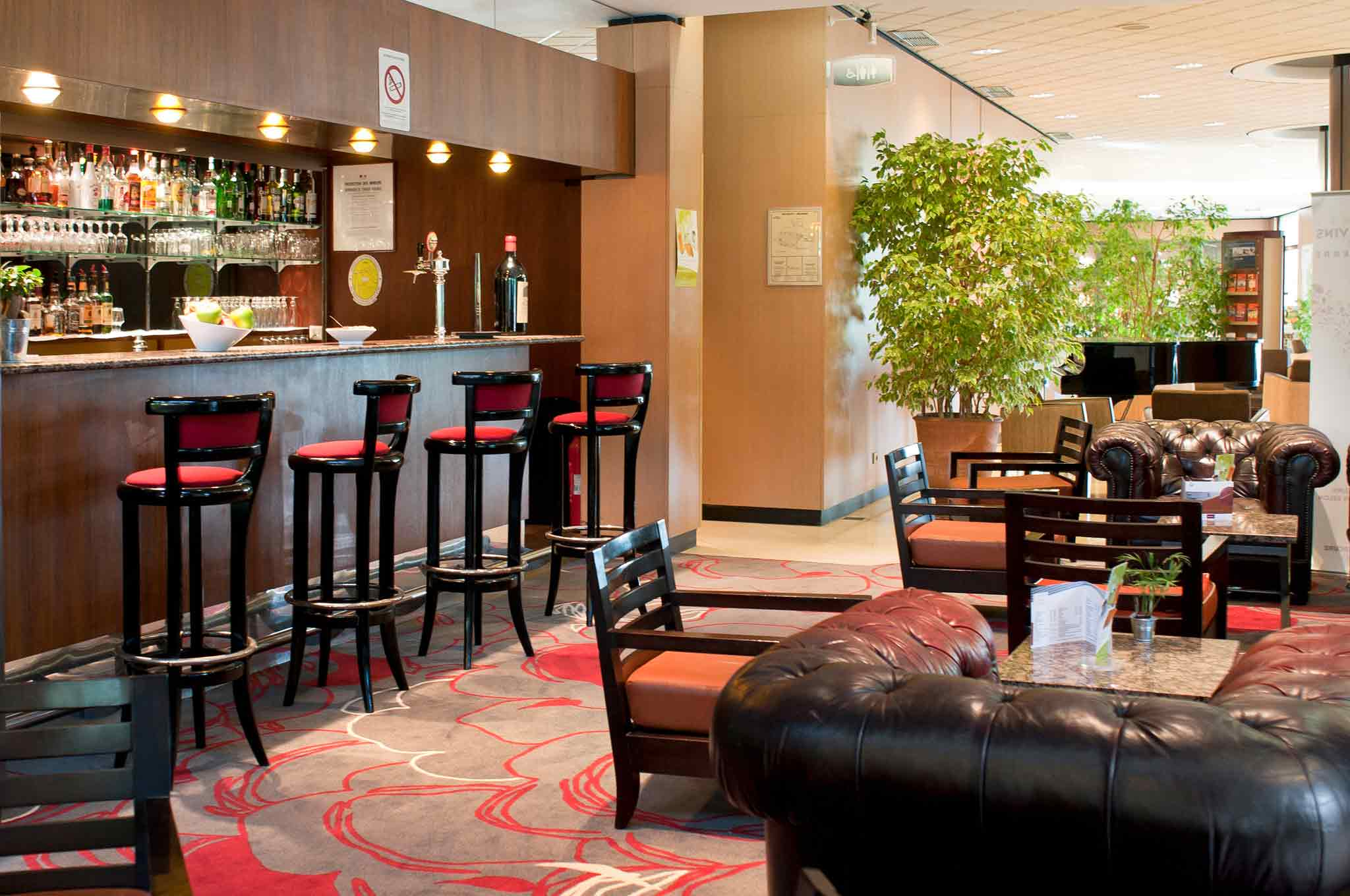 Mercure Bordeaux Aeroport Lobi