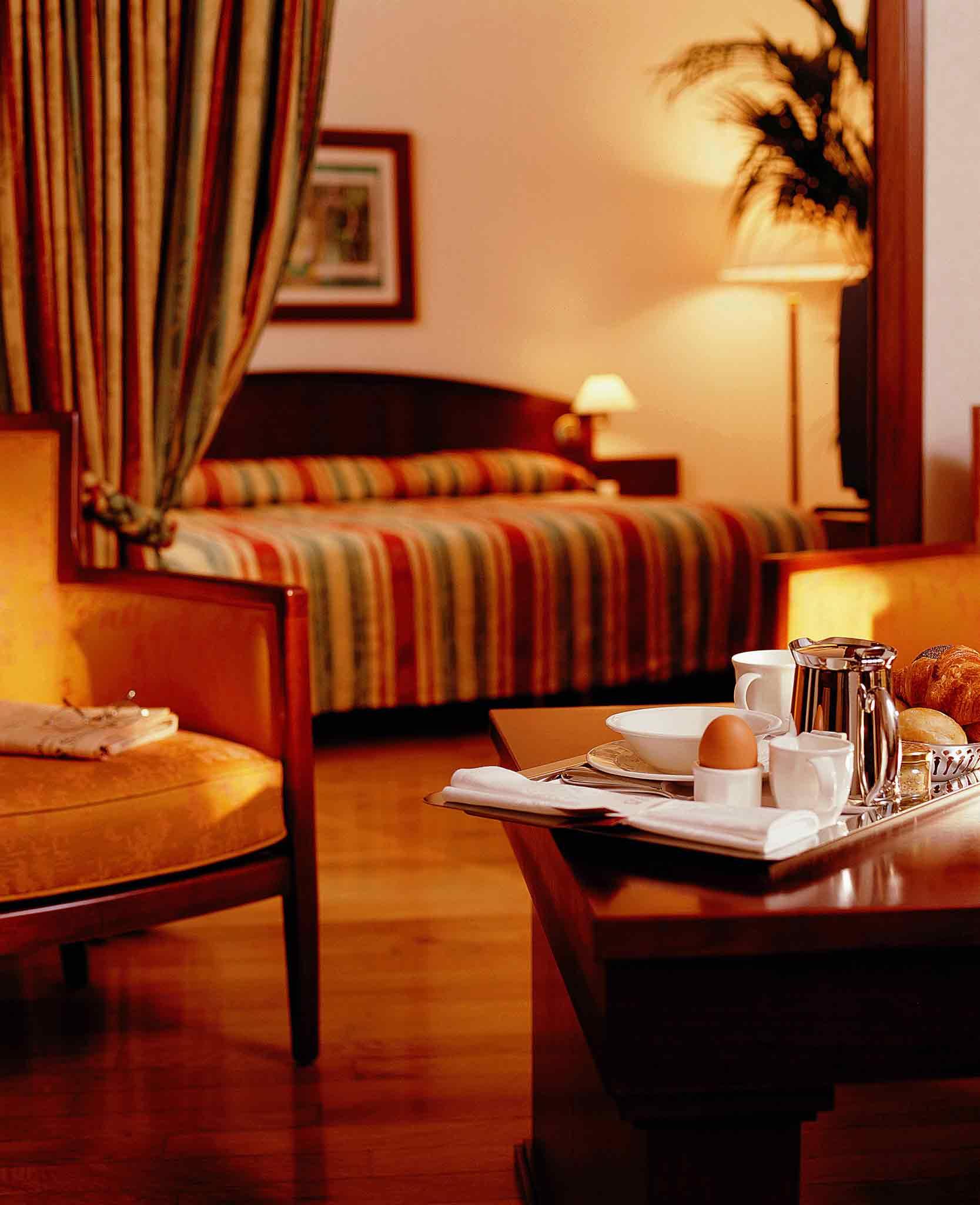 Grand Hotel Mercure Luxembourg Alfa Zimmeransicht