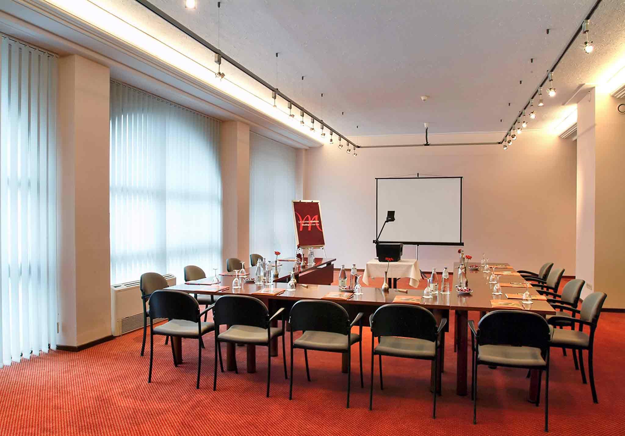 Grand Hotel Mercure Luxembourg Alfa Tagungsraum