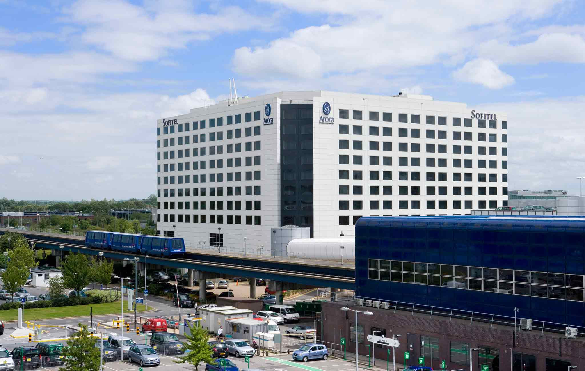 Sofitel London Gatwick Vista exterior