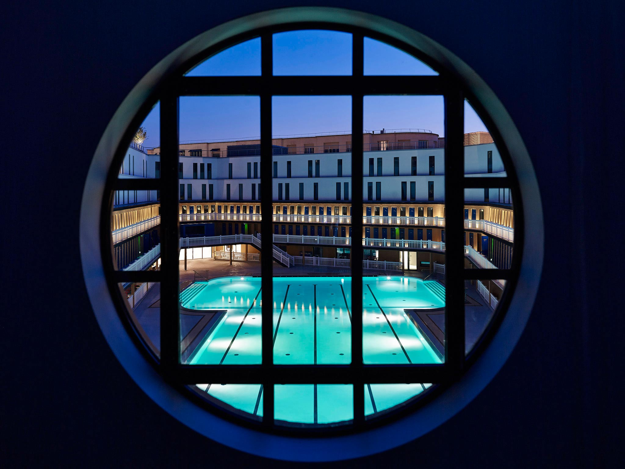 Hotel paris piscine molitor mgallery collection paris for Piscine molitor prix
