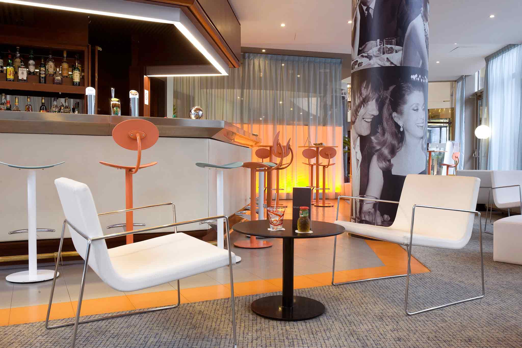 Mercure Paris Porte de St Cloud Lobby
