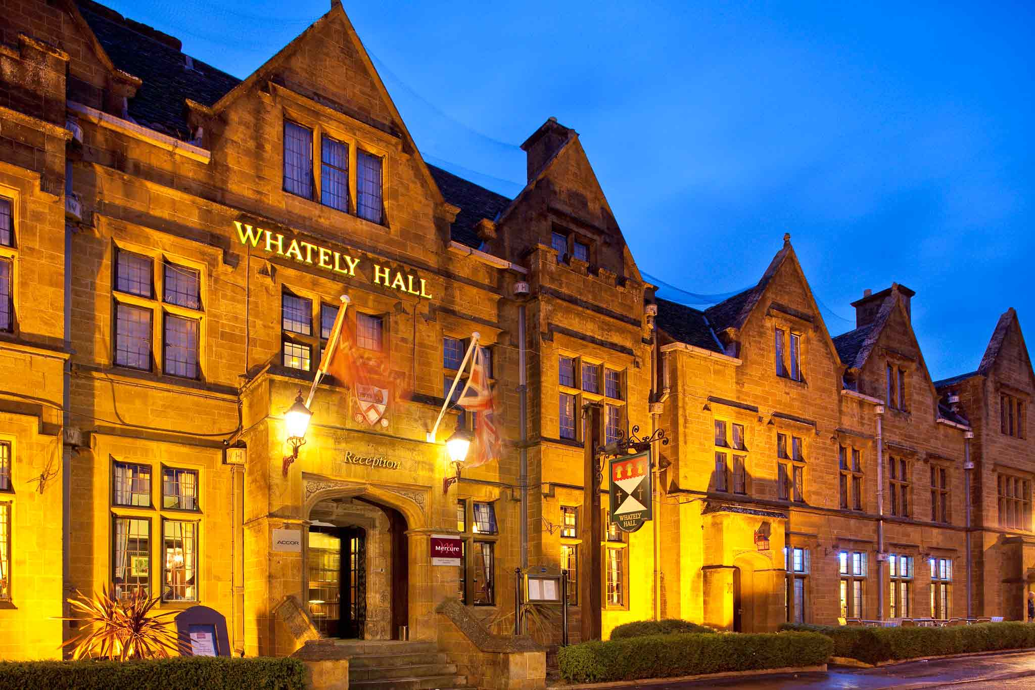 Hotel Mercure Whately Hall Banbury Exterior view