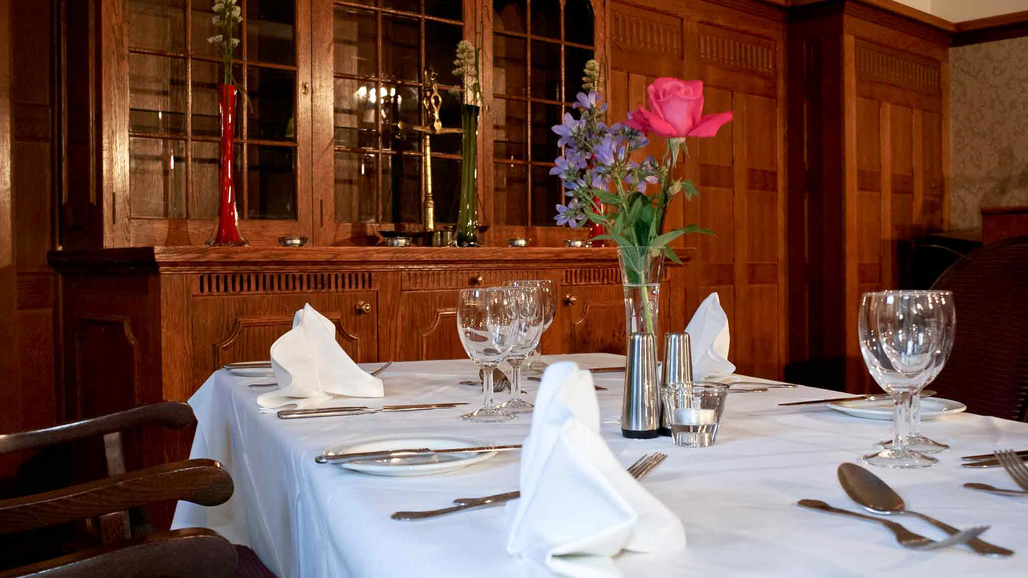 Hotel Mercure Whately Hall Banbury Gastronomy