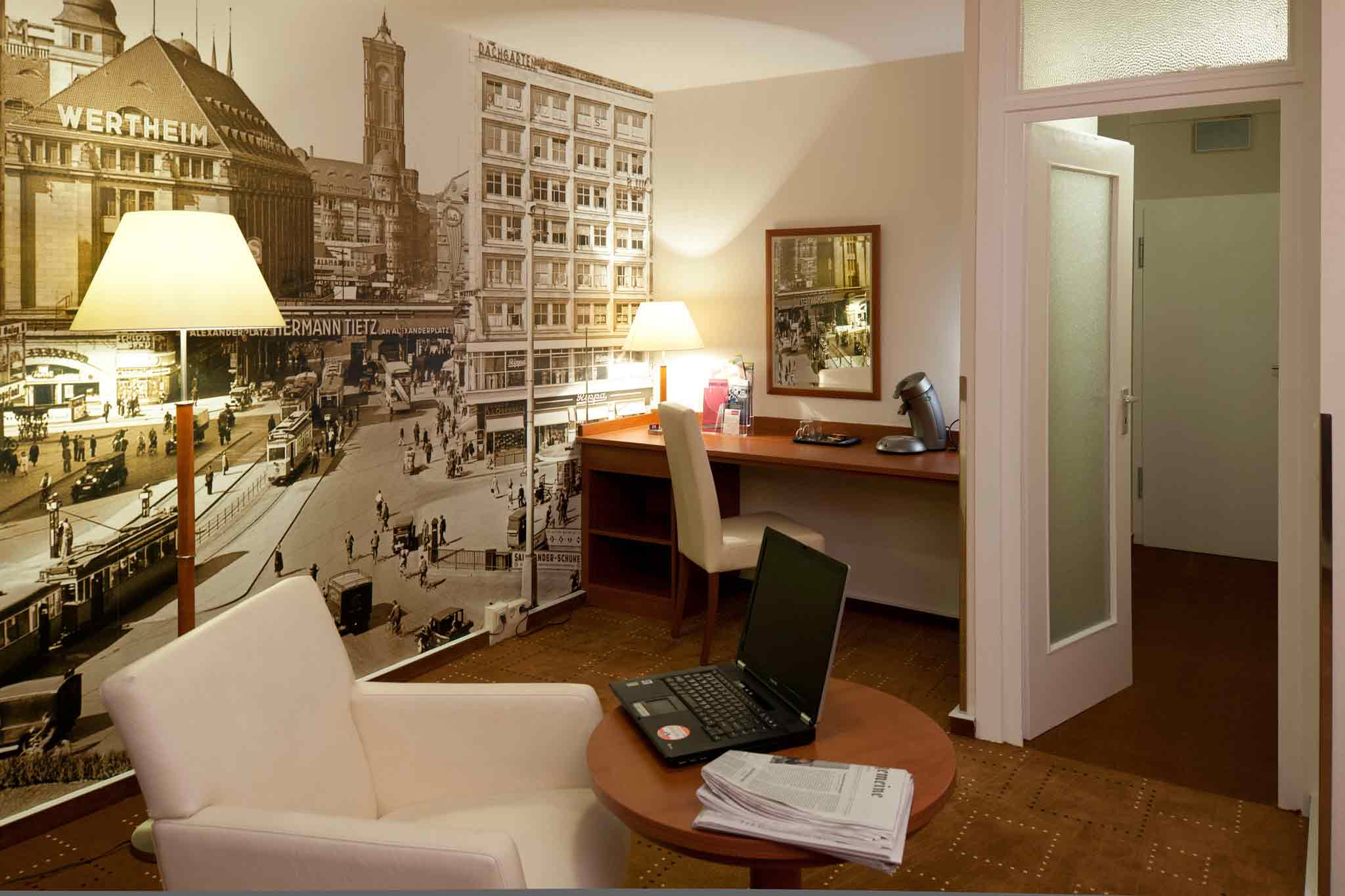 Mercure Hotel Berlin am Alexanderplatz Guestroom 2