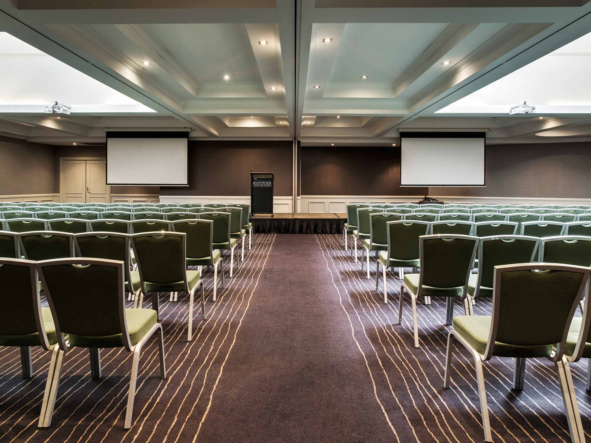 Pullman Sydney Hyde Park Meeting room
