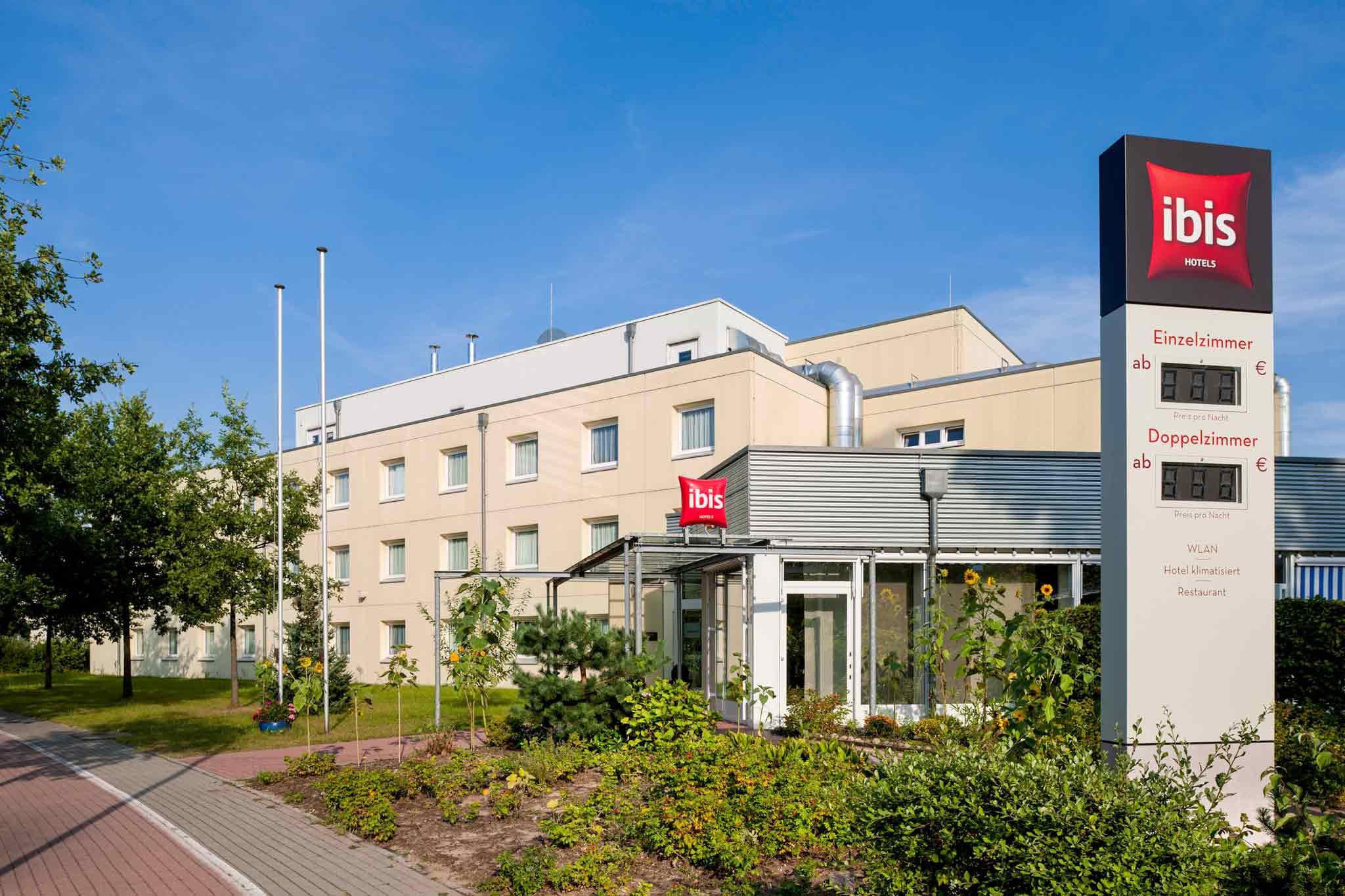 Ibis Hotel Berlin Dreilinden Kleinmachnow Exterior 1