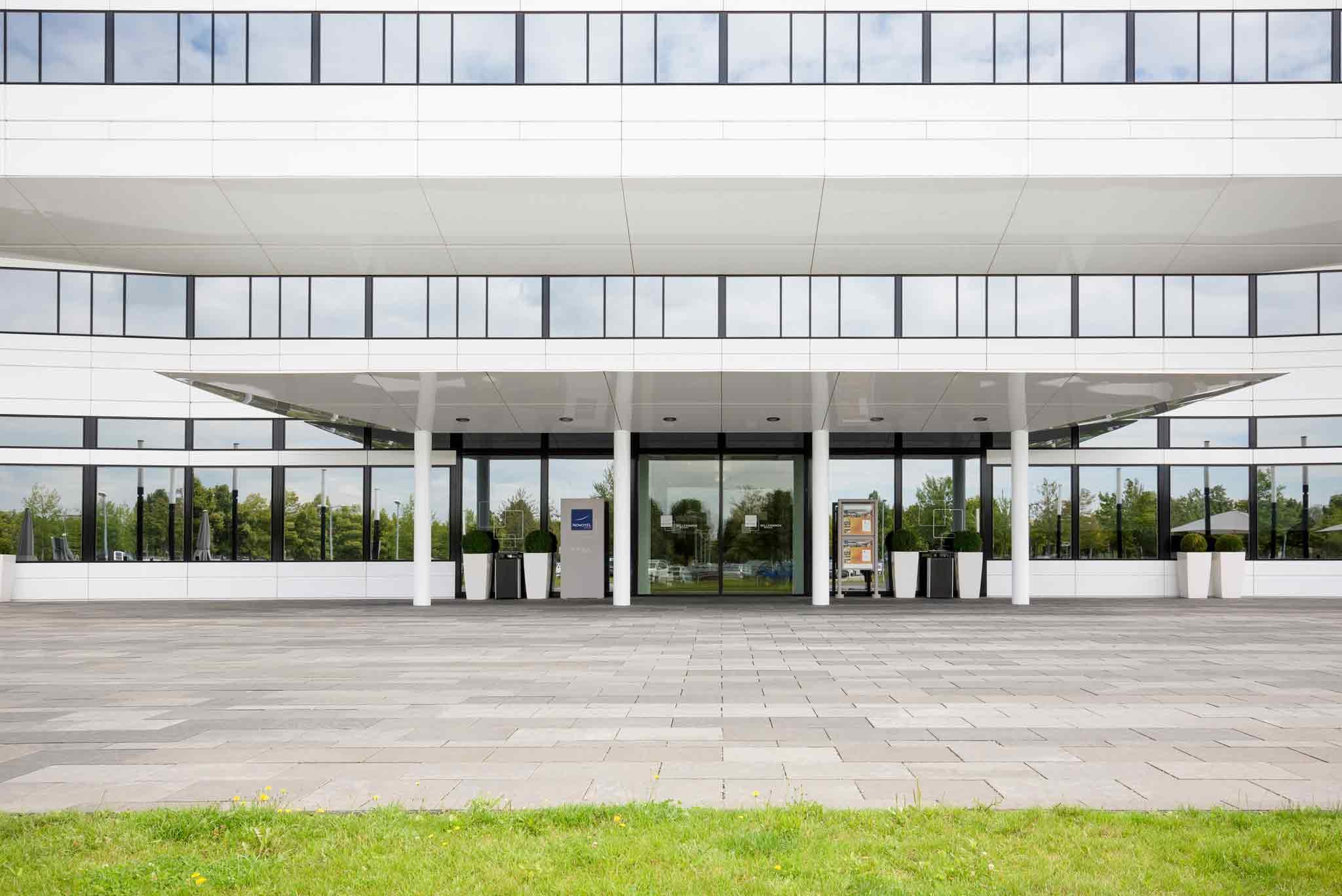 Novotel München Airport Widok z zewnątrz