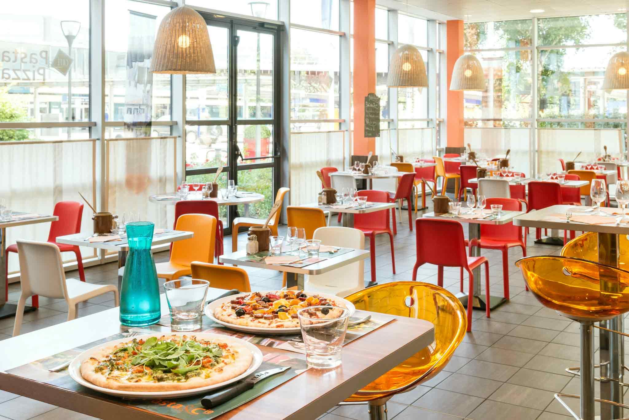 Hotel Ibis Charles de Gaulle Aéroport / Terminal Gastronomie