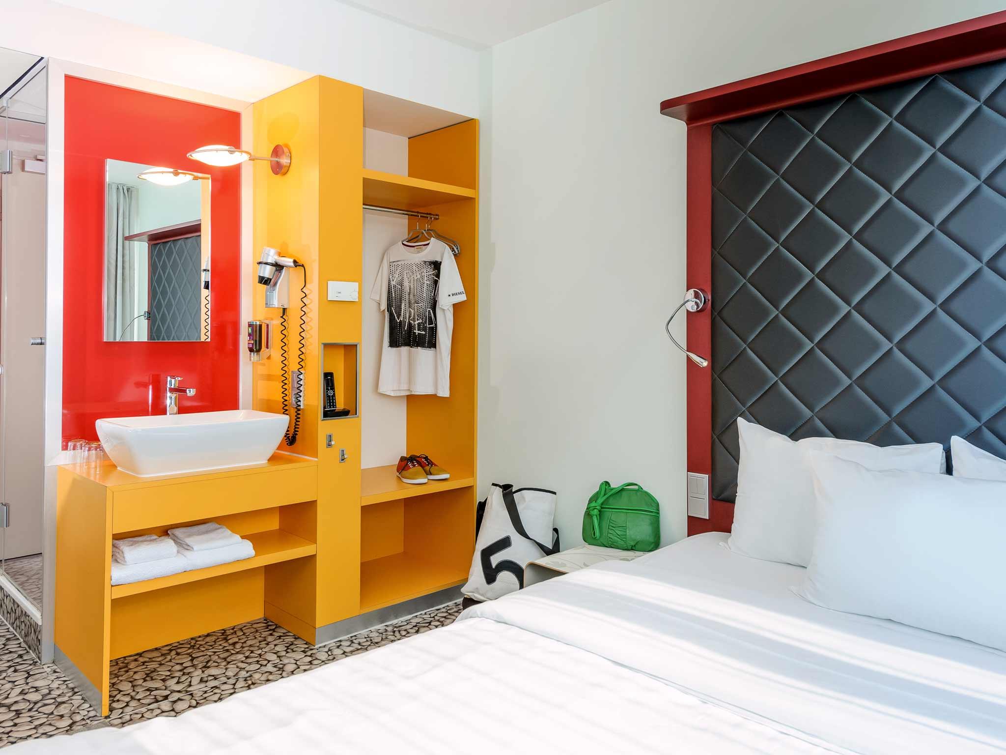 ibis Styles Hotel Berlin Mitte Widok pokoju