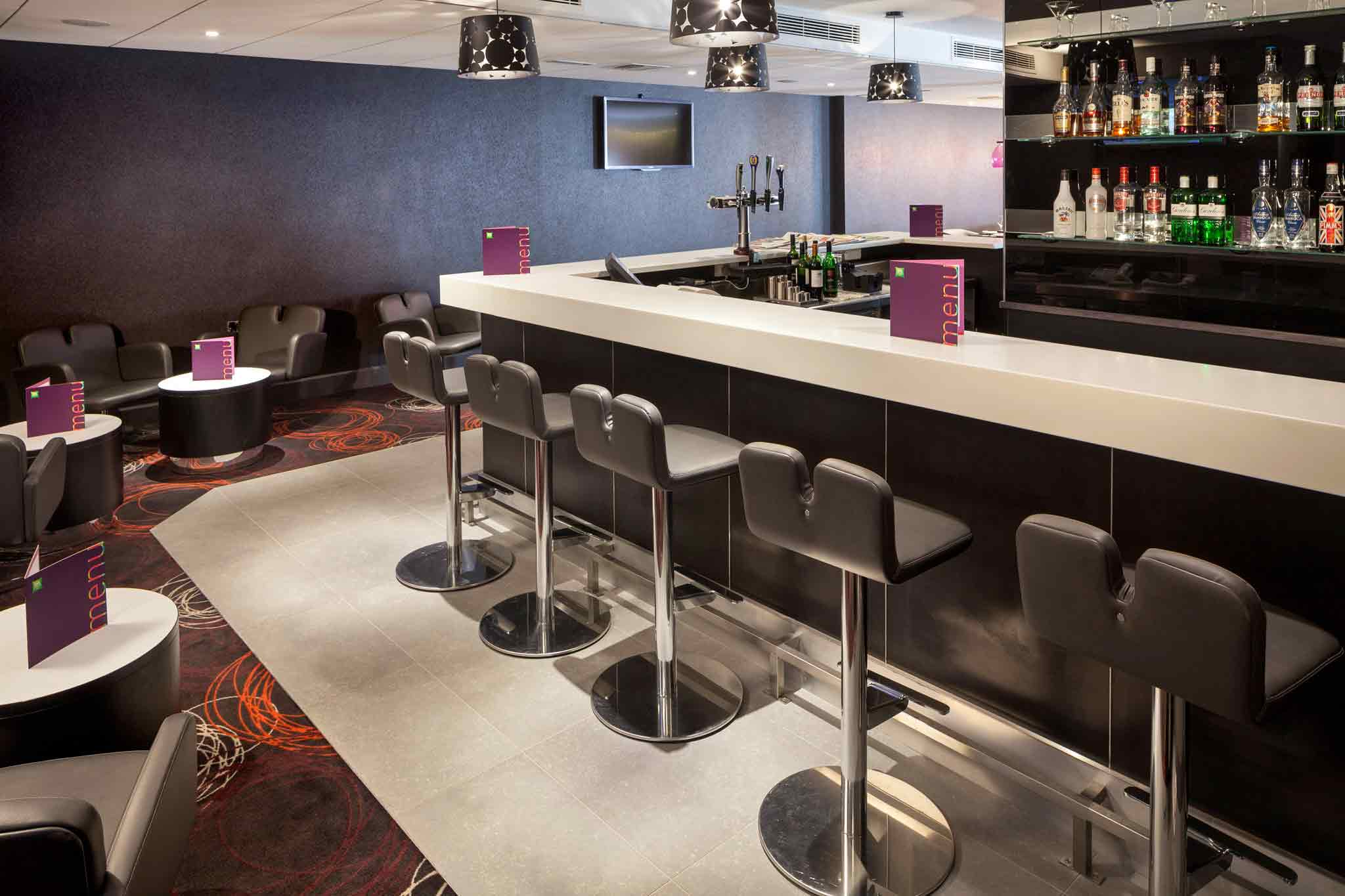ibis Styles London Southwark Rose Lobby