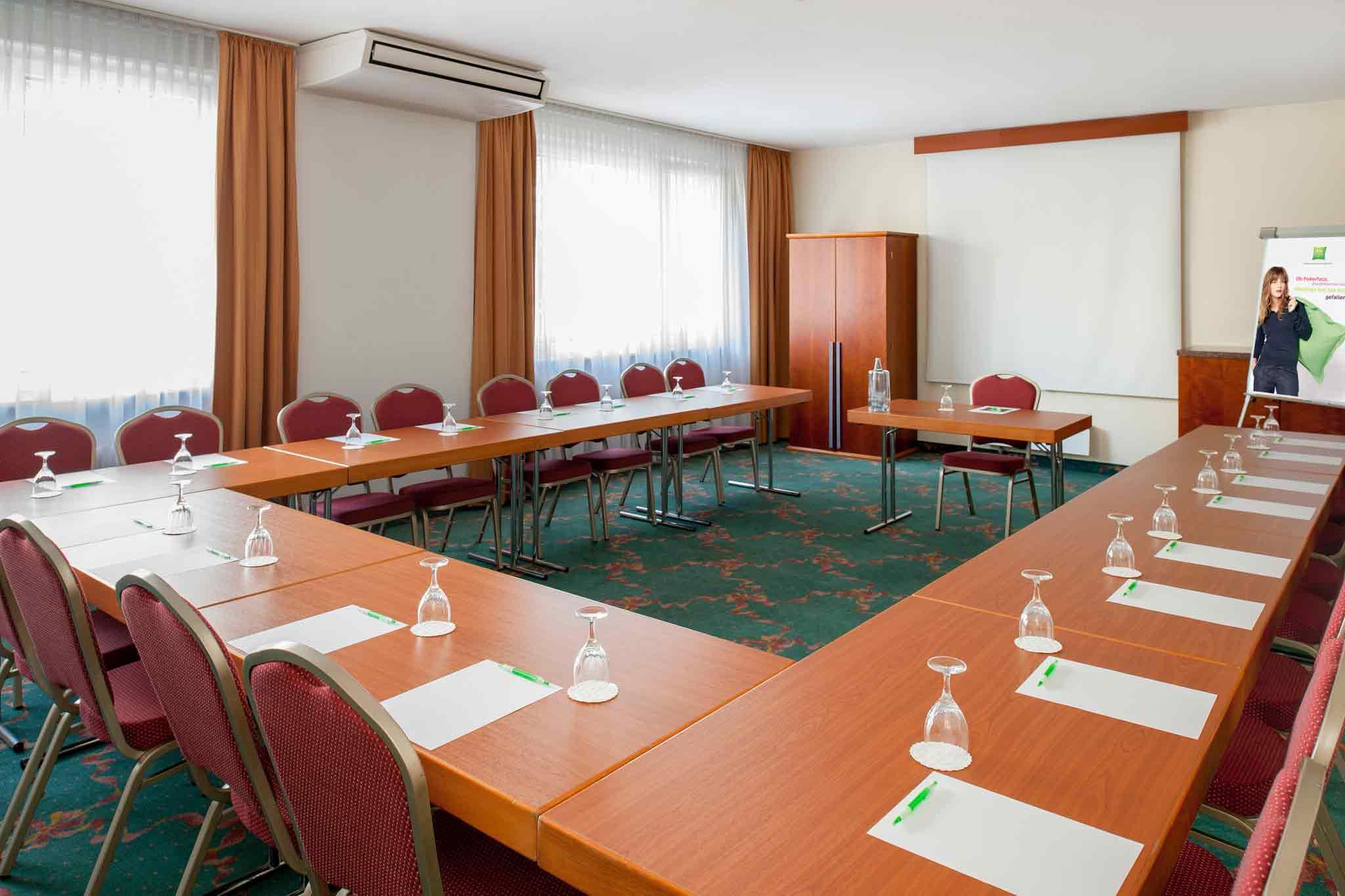Ibis Styles Berlin an der Oper Konferenční sál