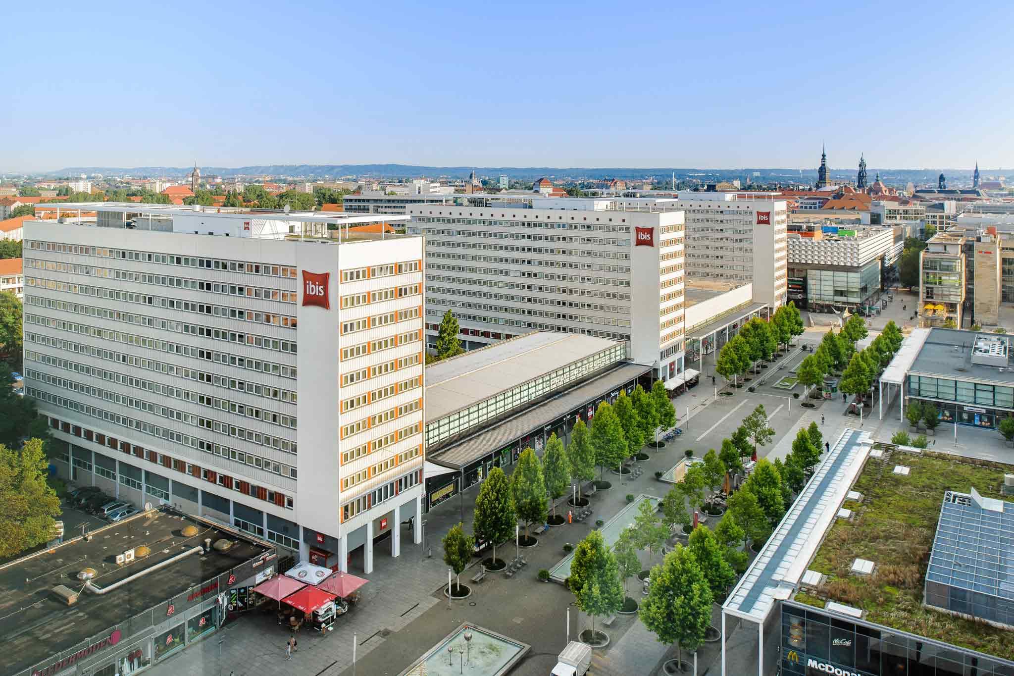 Ibis Hotel Dresden Bastei Außenansicht