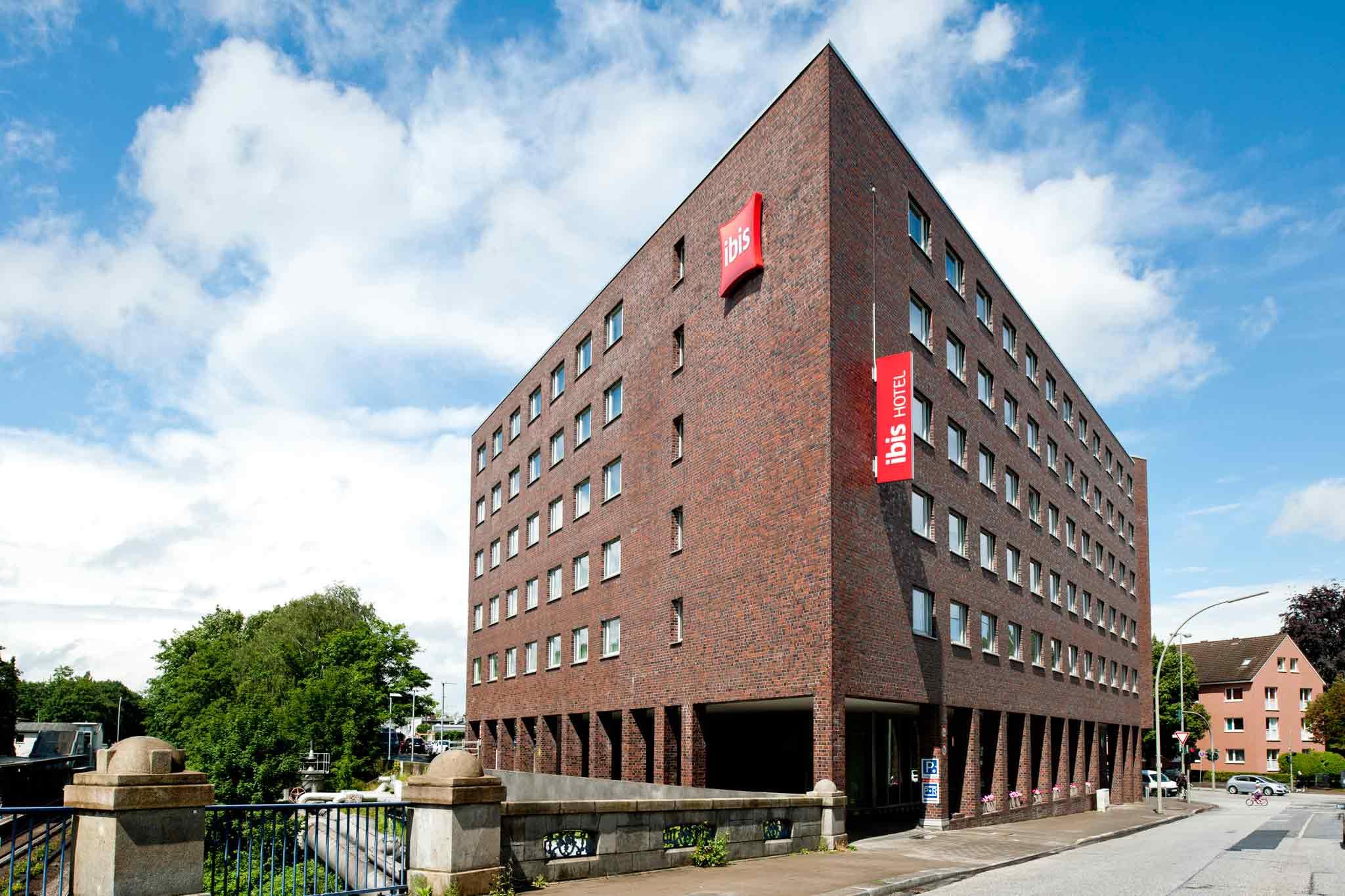 Ibis Hamburg Alsterring Fasad