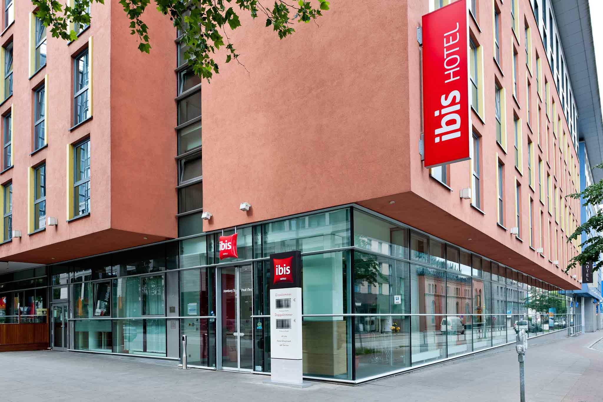 Ibis Hotel St. Pauli Messe Außenansicht