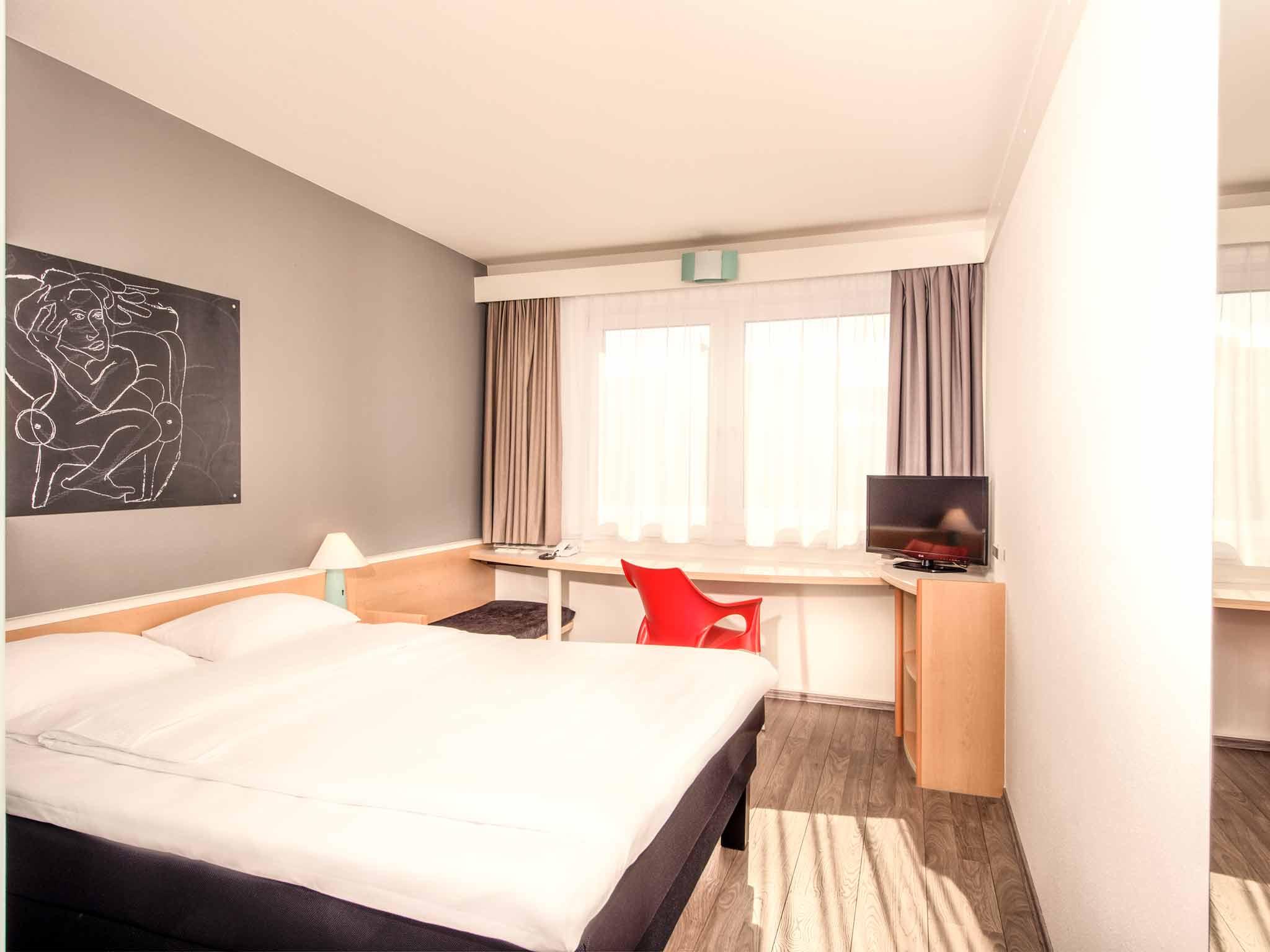 Ibis Hotel Berlin Airport Tegel 客室