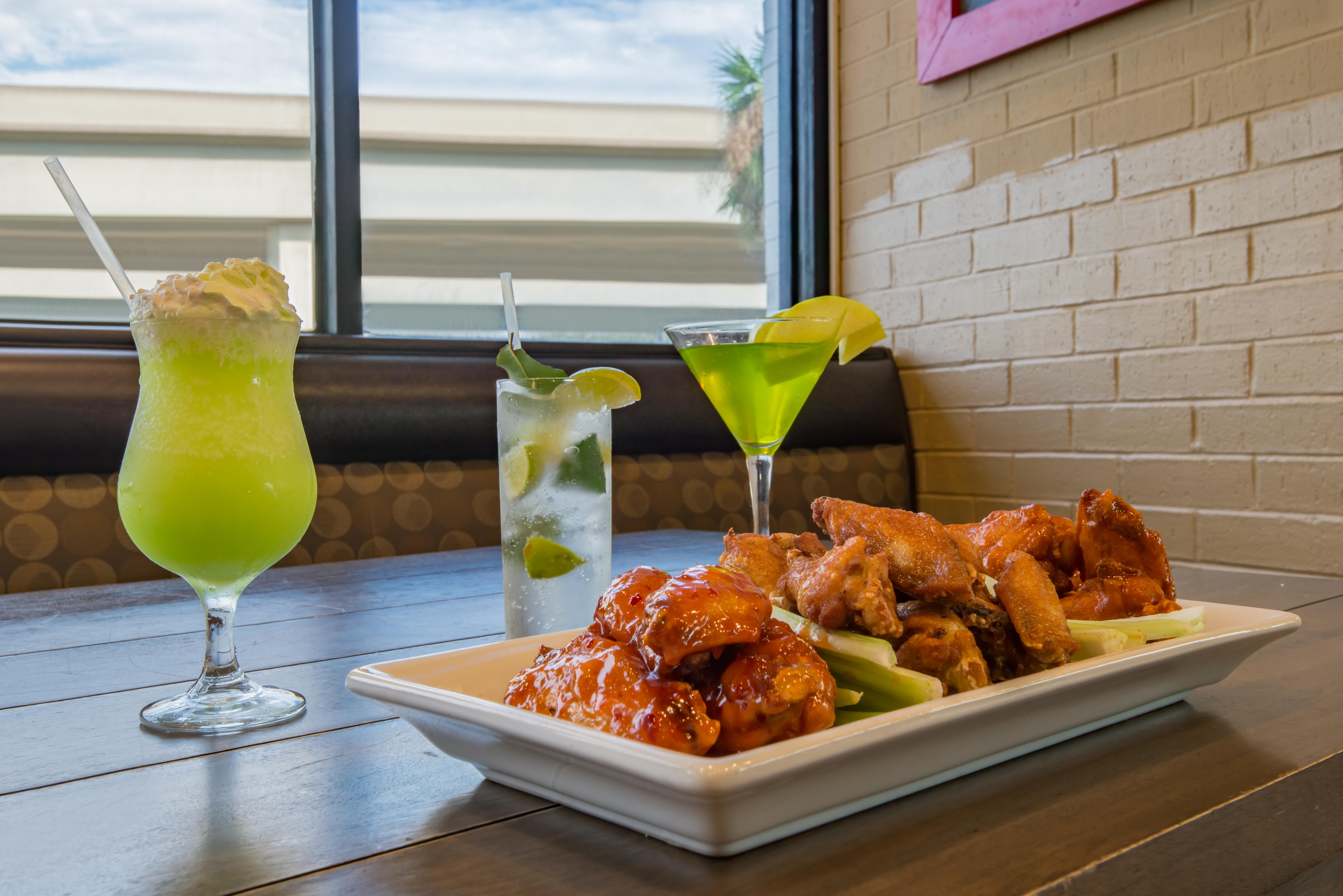Specialty Drinks Award Winning Hot Wings Holiday Inn Westbank