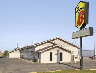 Super 8 Motel West  Hotel