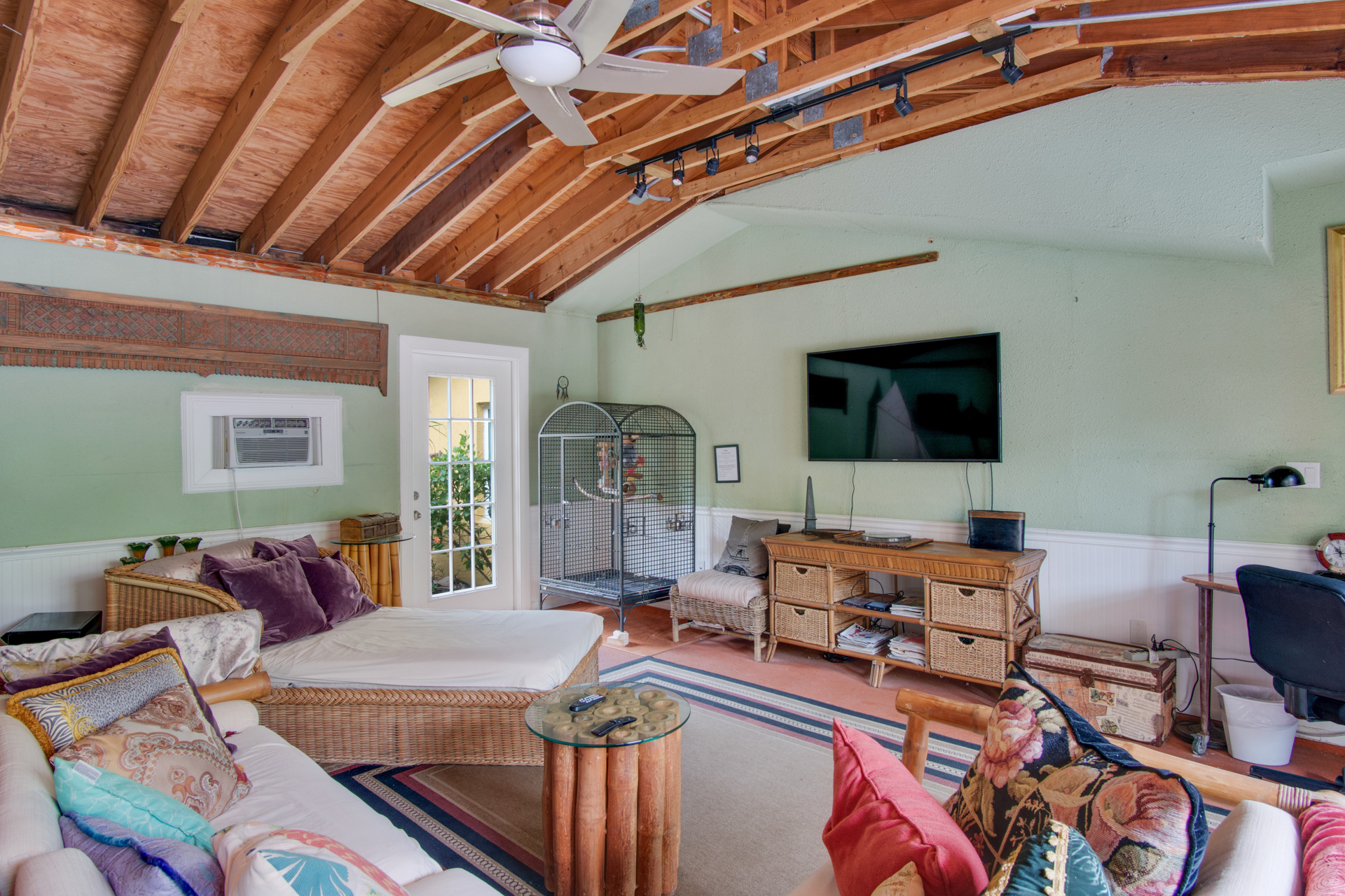 Cocoa Beach Resort | Beach Place Guesthouses