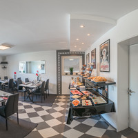 360 ° View breakfast room and the breakfast buffet