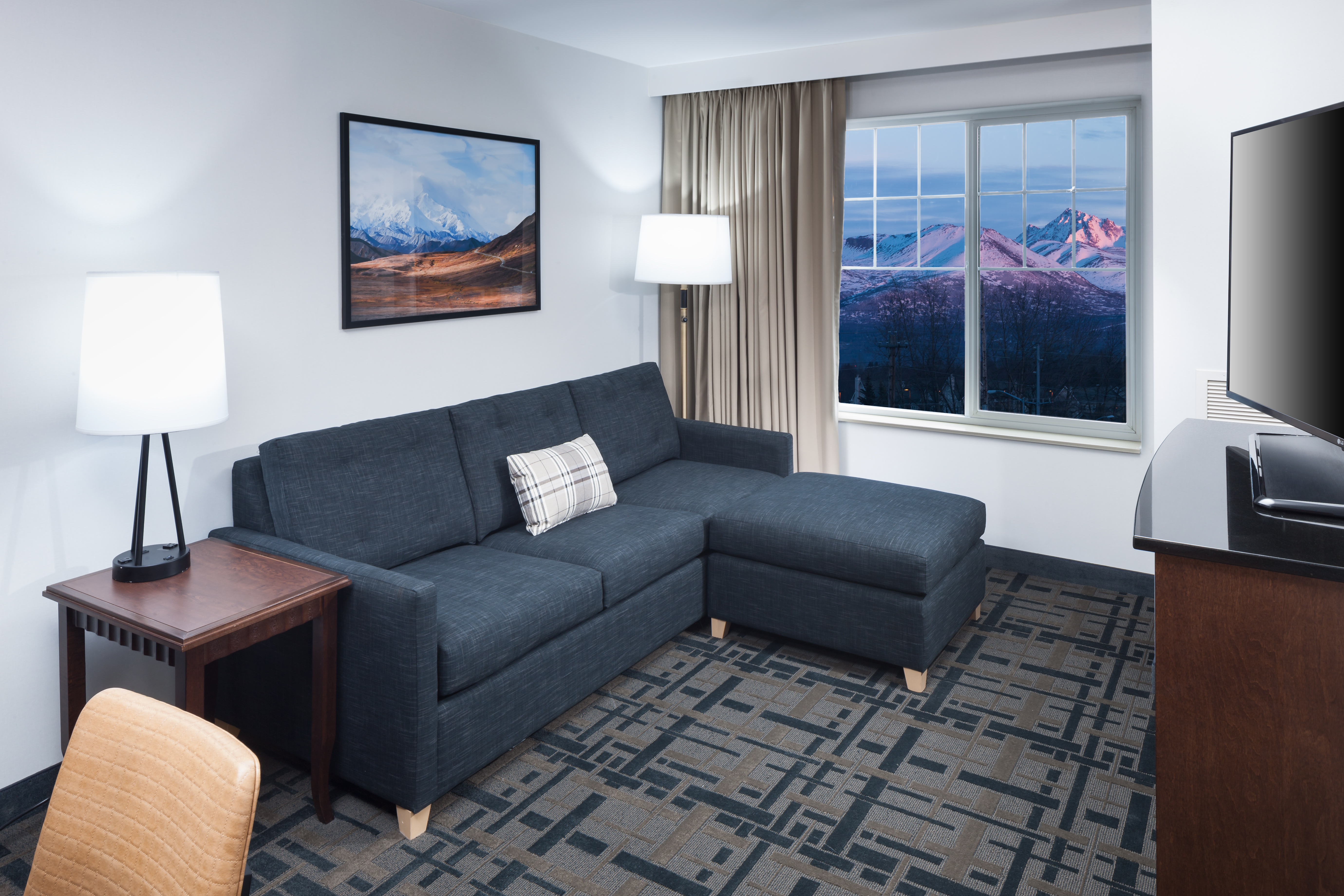 Rooms | Embassy Suites Anchorage