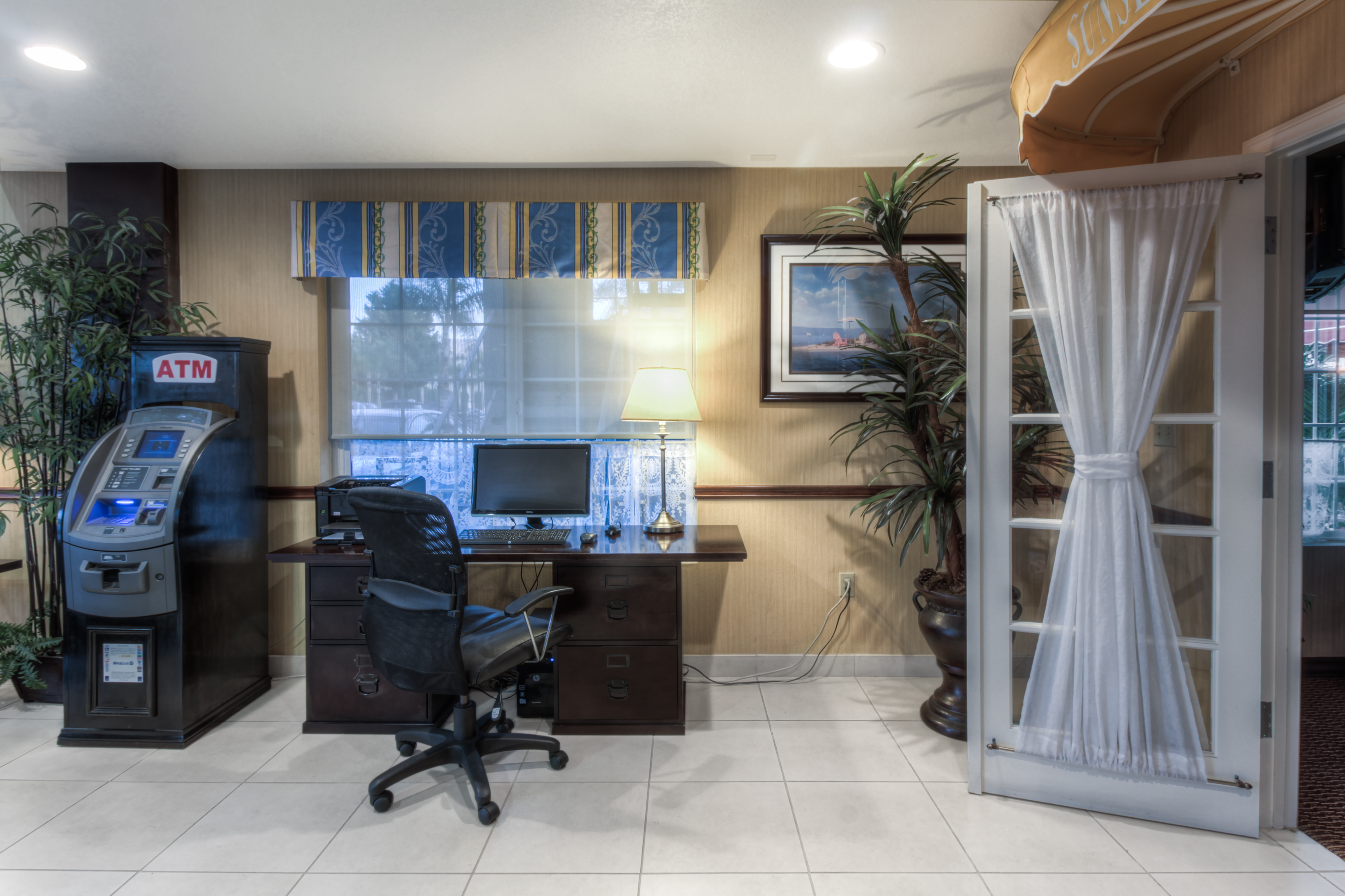 costa mesa chat rooms Traditional king an avenue of the arts costa mesa luxury guest room.
