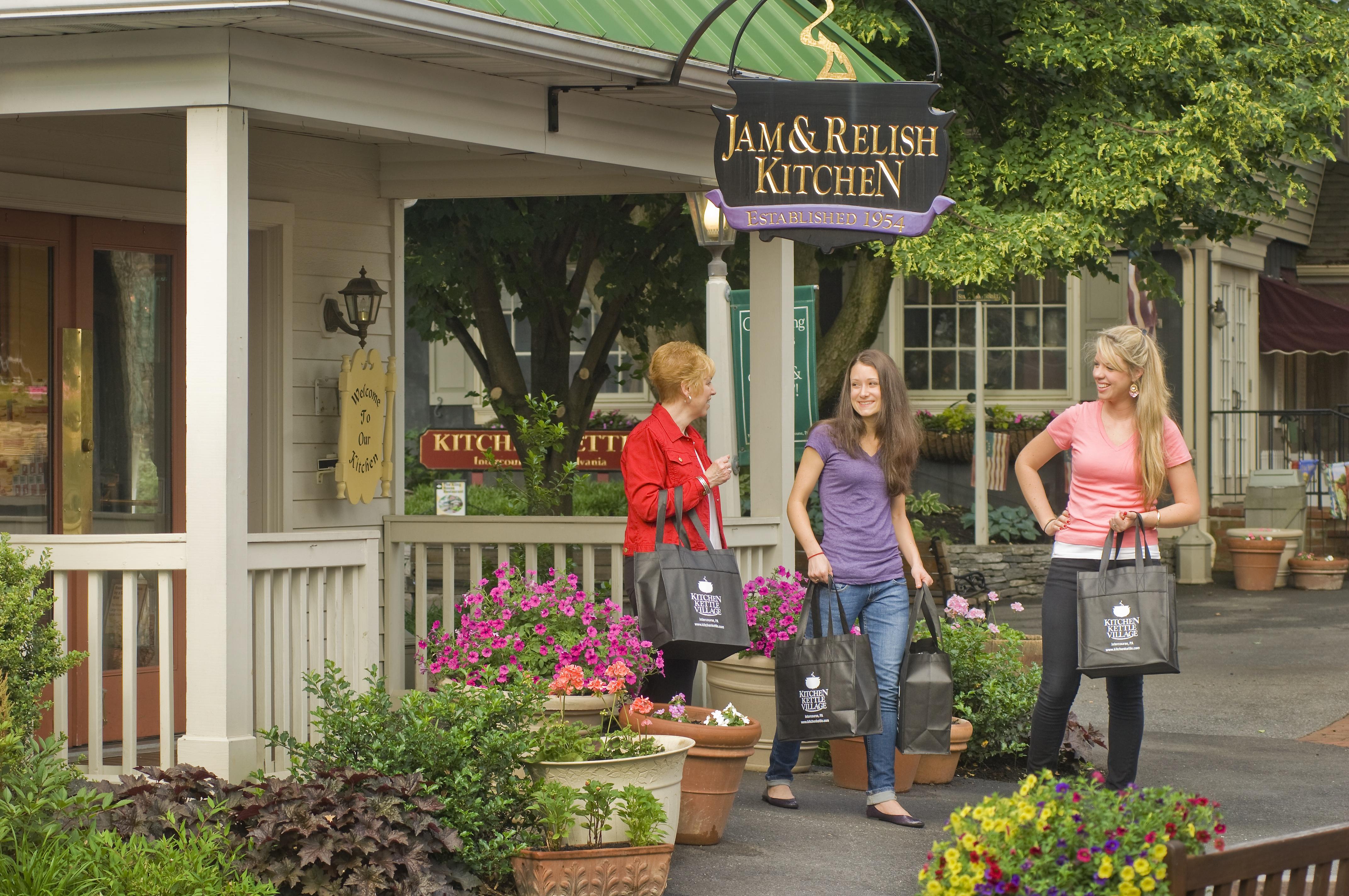 the village | the inn at kitchen kettle village