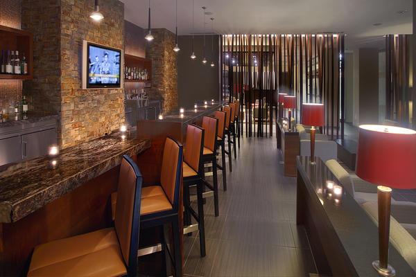 Novotel Montréal Aeroport Bar/salónek