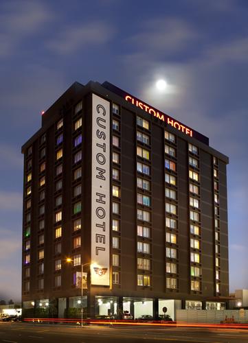 Custom Hotel  Hotel