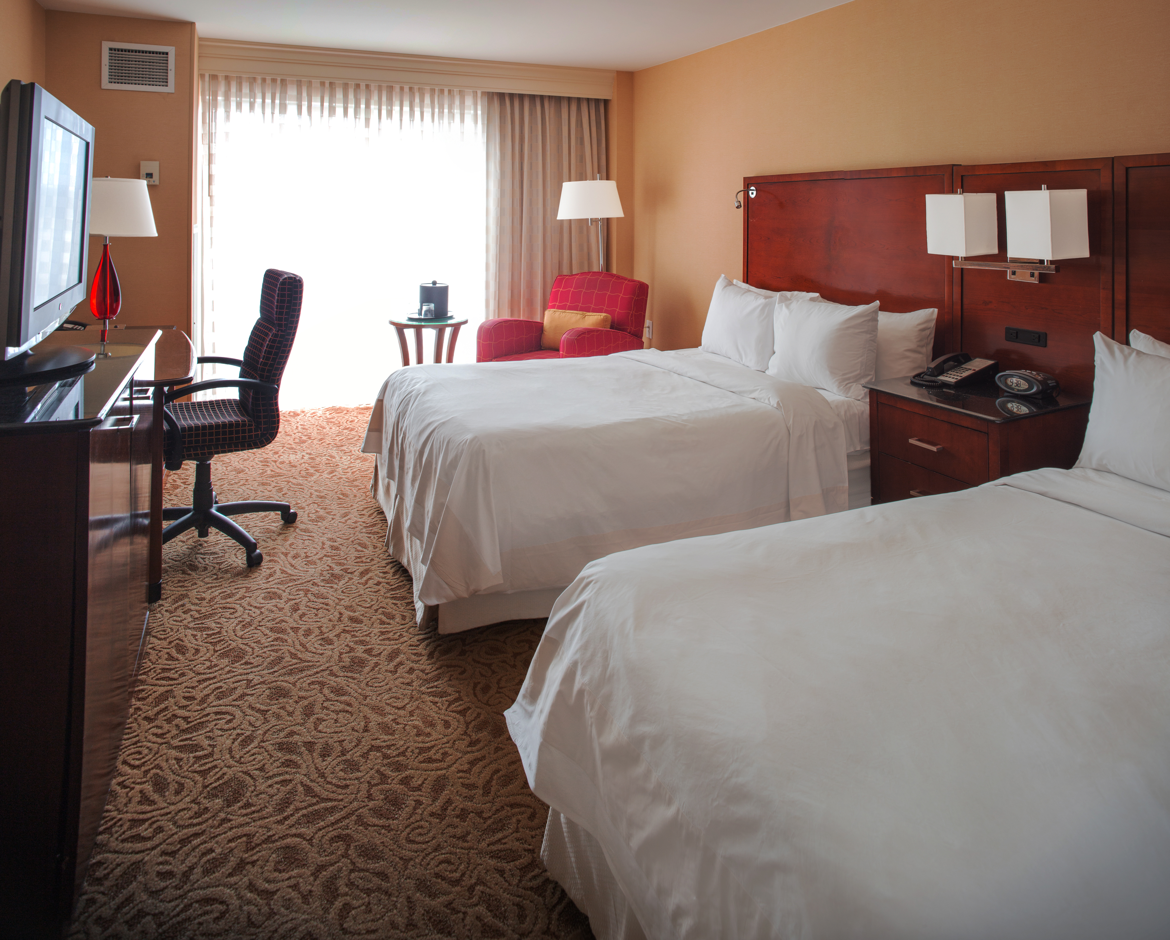 Hotel Rooms in Chesapeake VA - Suites in Chesapeake VA