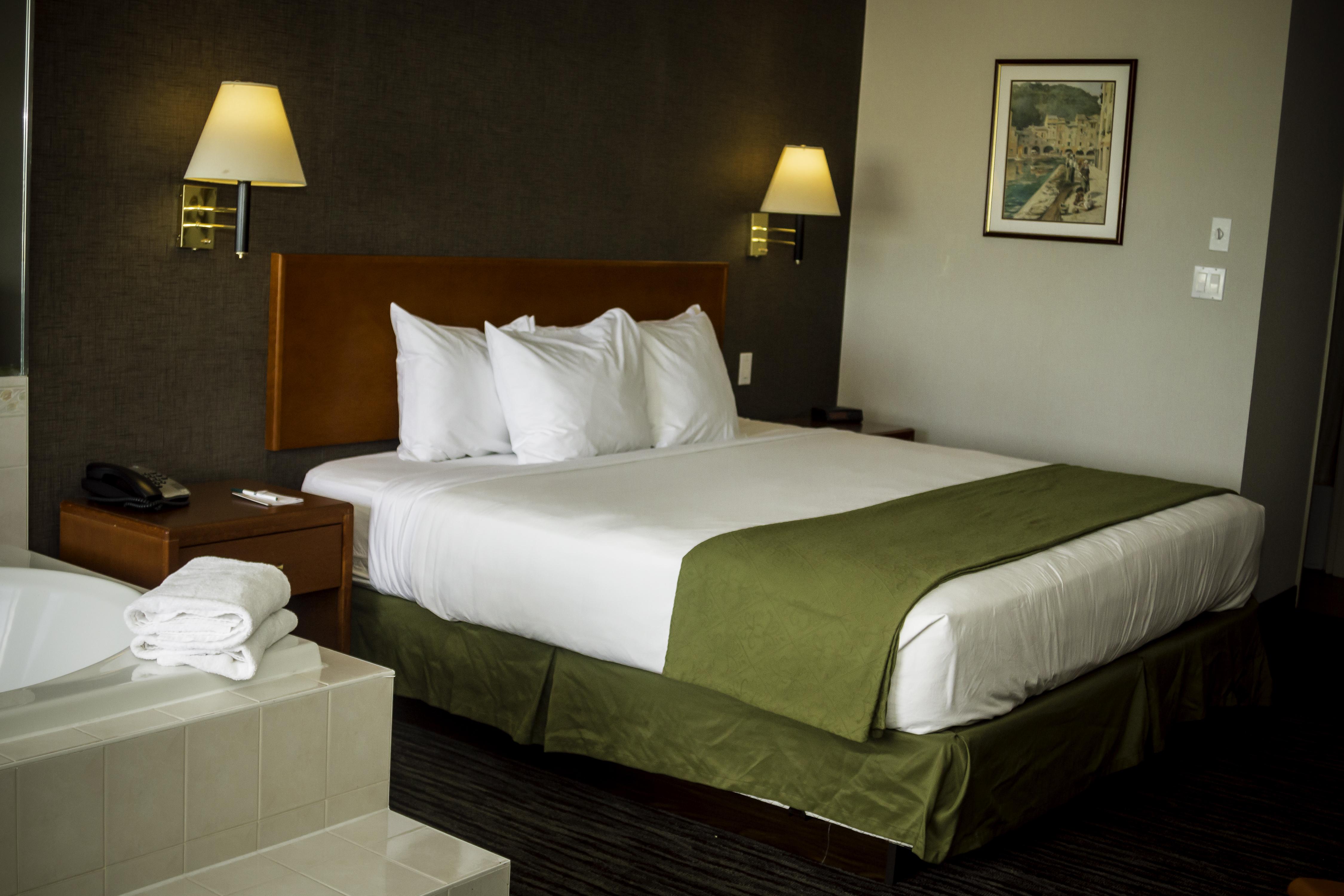 book kamloops accommodations quality inn kamloops