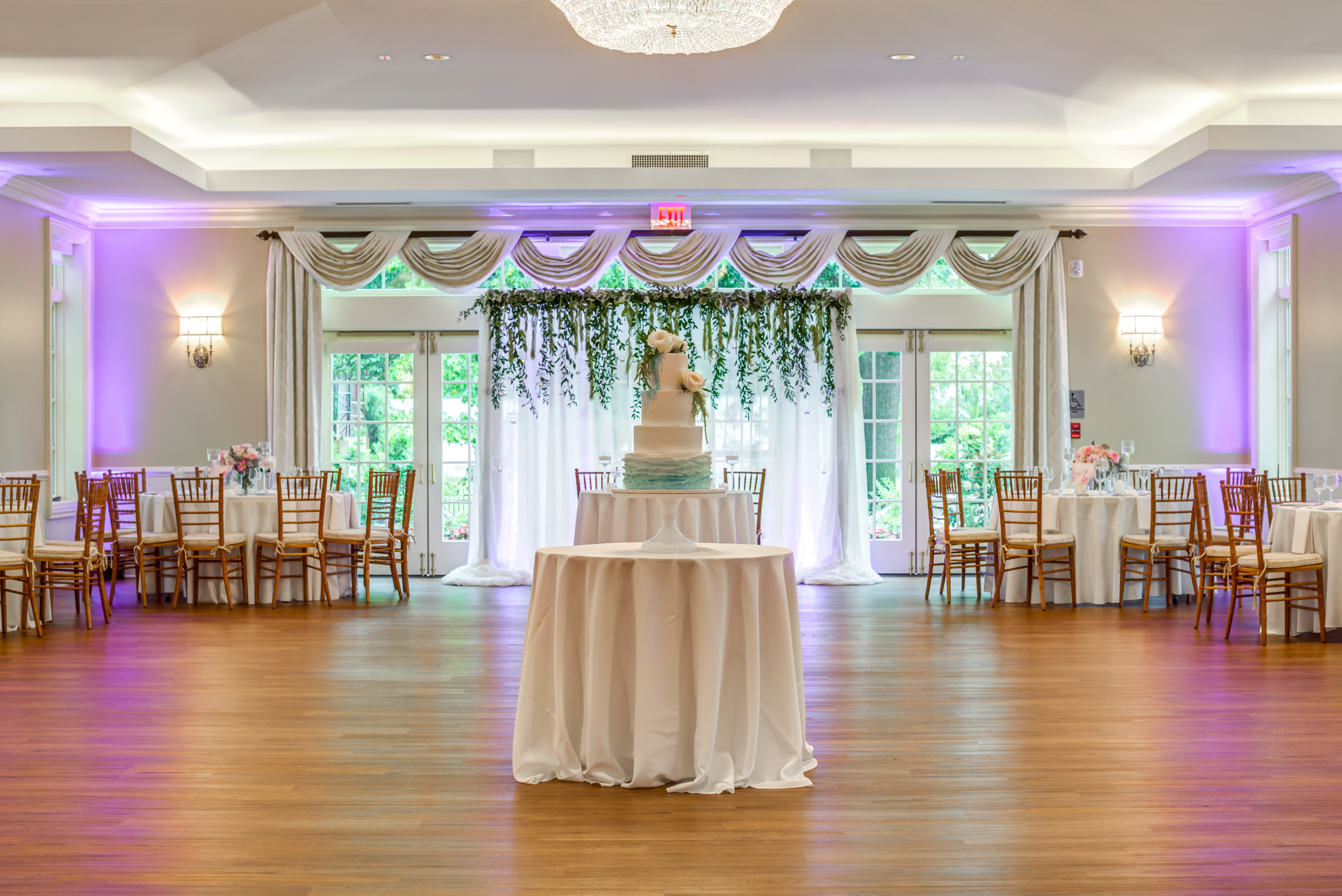 Romantic weddings venues in cleveland ohio glidden house wedding ballroom with cake junglespirit Image collections
