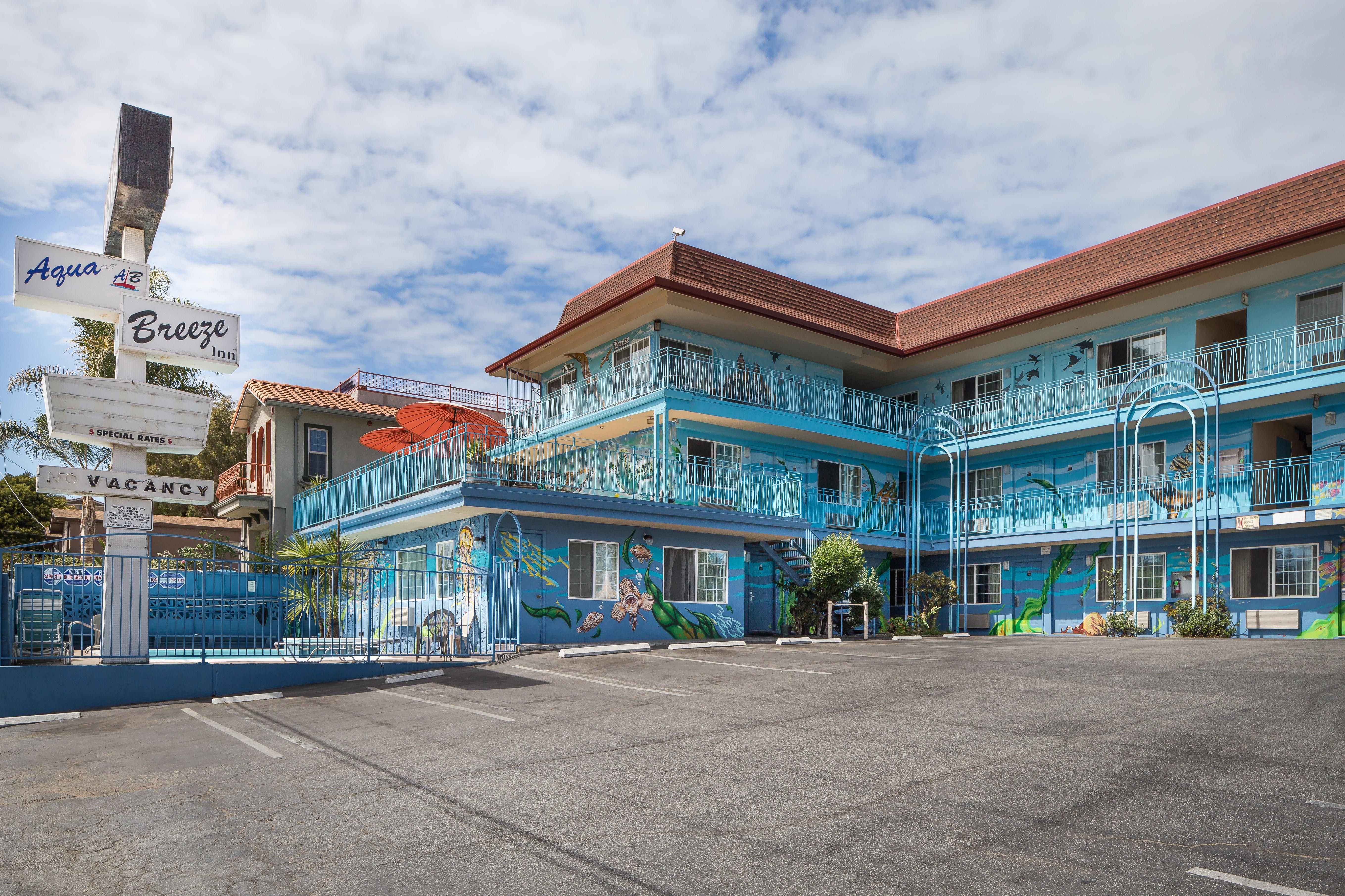 santa cruz hotel deals aqua breeze inn. Black Bedroom Furniture Sets. Home Design Ideas