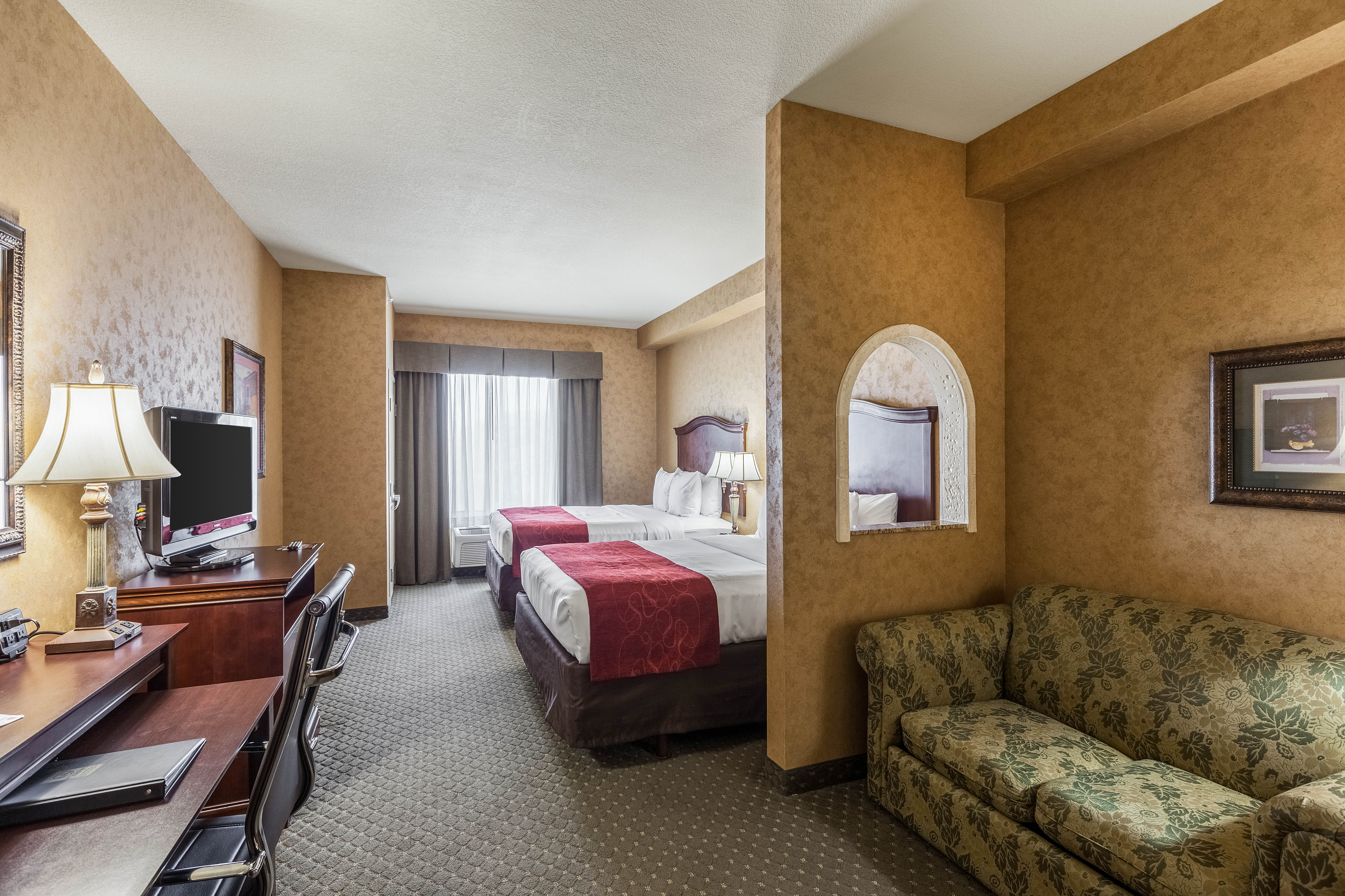 2 Bedroom Suites In San Antonio Riverwalk Knights Inn And Suites San Antonio Downtown Market