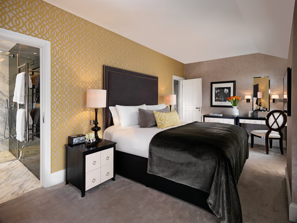 Flemings hotel luxury hotel london small luxury hotels - London hotel suites with 2 bedrooms ...