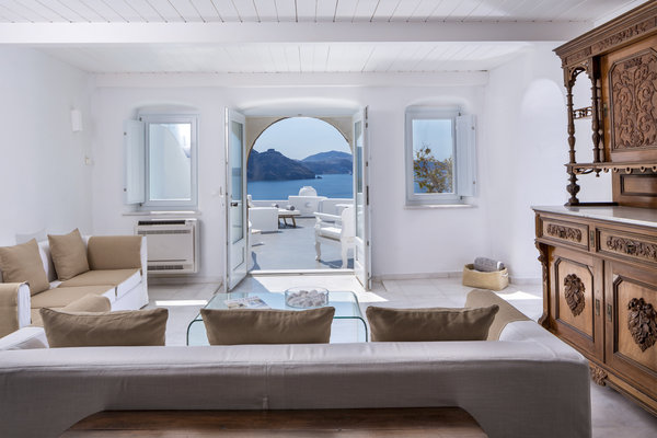 Canaves oia hotel luxury hotel santorini greece slh