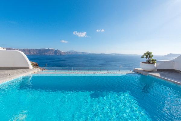Santorini secret suites spa luxury hotel in santorini for Hotel santorin piscine privee